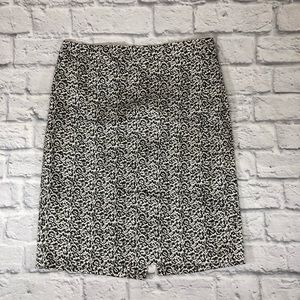 J.Crew The Pencil Skirt.  Size 4.  Black/white